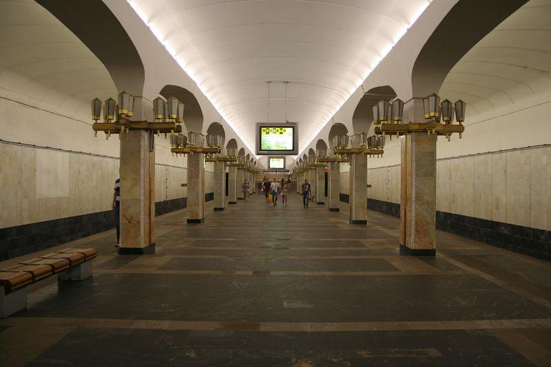 В минском метро погибла 16-летняя девушка.