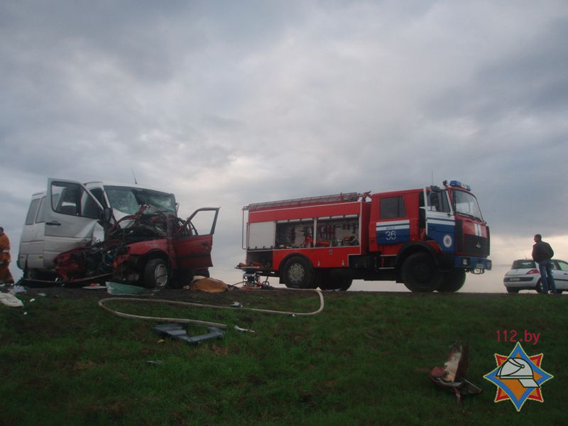 В ДТП под Минском погибло 2 человека, 11 госпитализированы