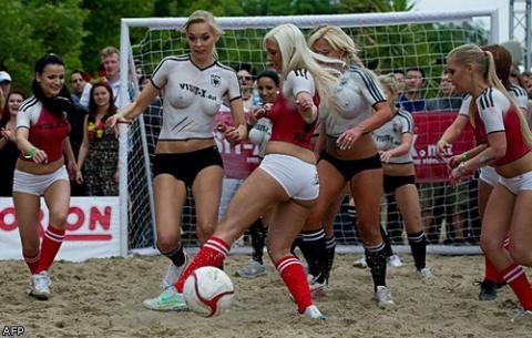 футболисты голые фото