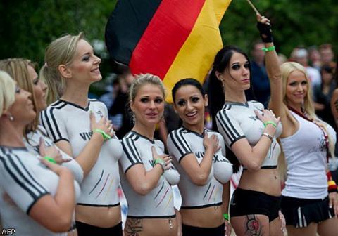 Матч между немецкими и датскими порноактрисами видео