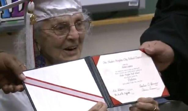 97 летняя американка получила диплом об окончании школы