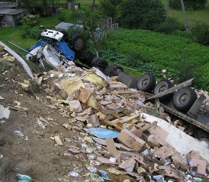 В Брестском районе перевернулся большегрузный автомобиль