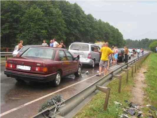 В ДТП под Гродно столкнулись 11 автомобилей