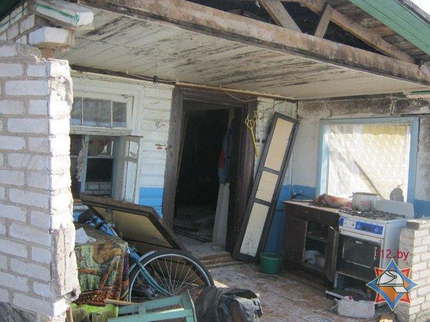 В Щучинcком районе мужчина хотел отравиться газом, но подорвал дом и остался жив
