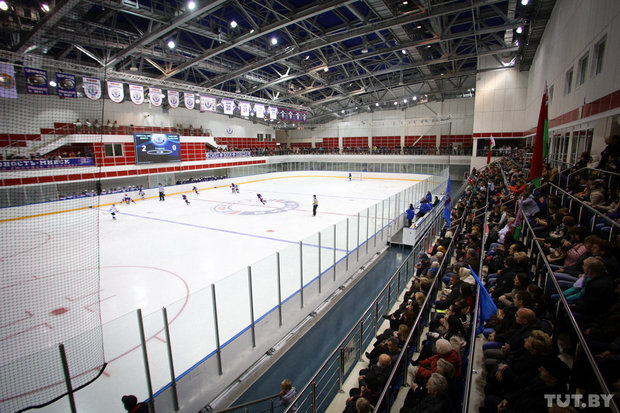 Малая ледовая площадка спортивного-комплекса «Чижова-Арена»