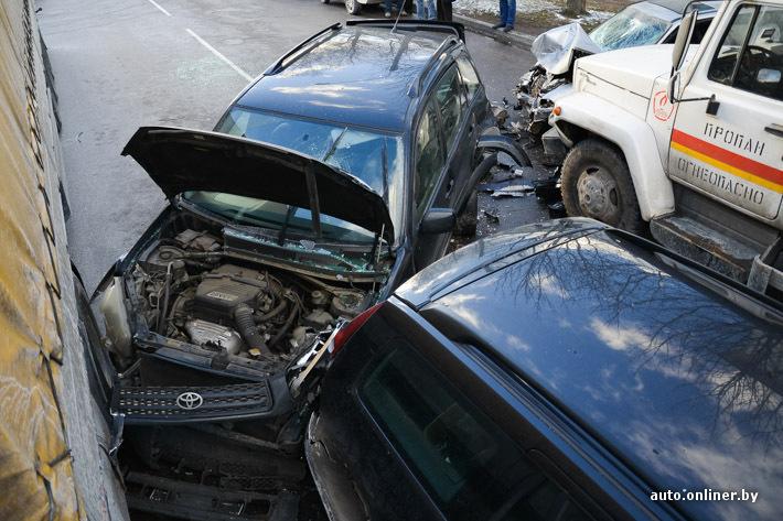 В Минске в ДТП попали сразу 6 машин