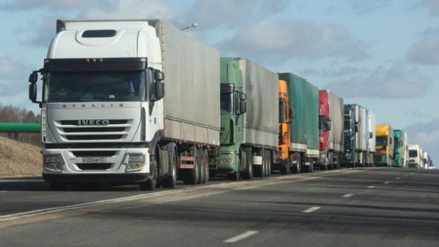 Госпогранкомитет Белоруссии предупреждает обобразовании очередей из фургонов набелорусско-литовской границе