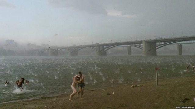 град на пляже в Сибири