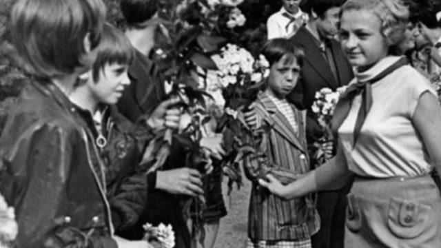 В Зубренке ребят встретили с цветами