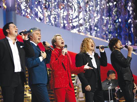 российские исполнители на сцене