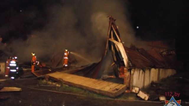 Пожар на мебельной фабрике в Ельске