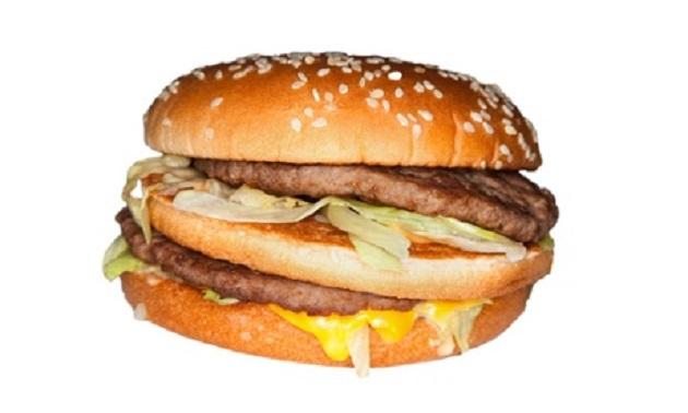 К ужасу защитников общественного здоровья, компания McDonald's расширяет зону доставки на дом