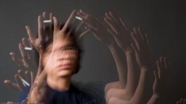 Плавные движения по дугообразной траектории позволяют дольше удерживать в поле зрения объект