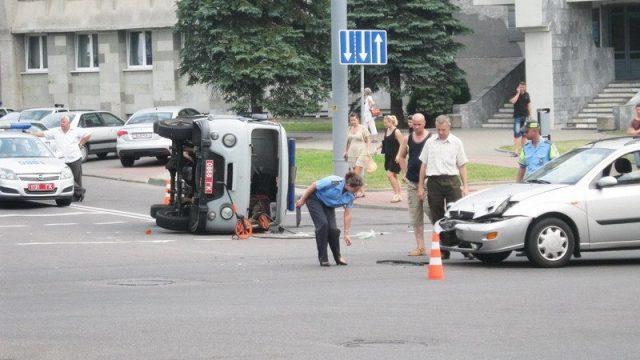 Авария с машиной милиции