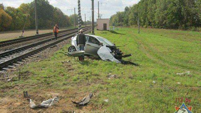 столкновение поезда и машины
