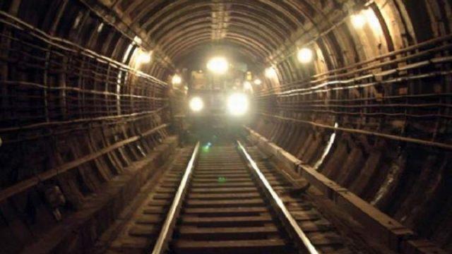 поезд в тоннеле