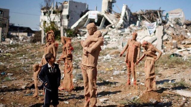 статуи палестинцев
