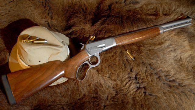 Выстрел из охотничьего ружья