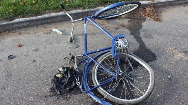 КамАЗ сбил велосипедистку