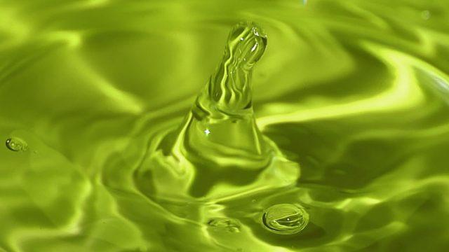 Зеленая вода в кранах
