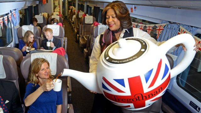 чаепитие в поезде