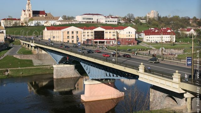 В Гродно парень спрыгнул со Старого моста