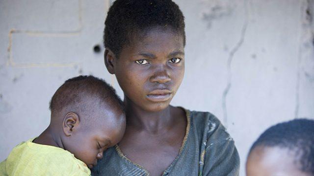 Эксперты бьют тревогу: вирус Эбола продолжает распространяться