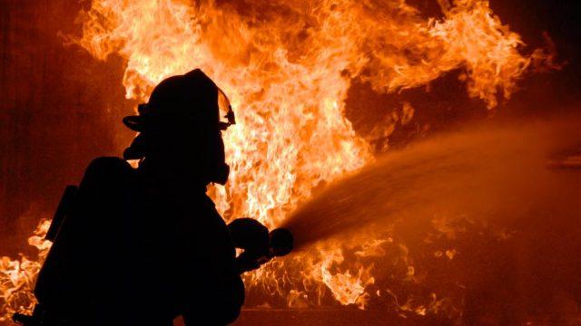 10 человек были эвакуированы во время пожара в Минске