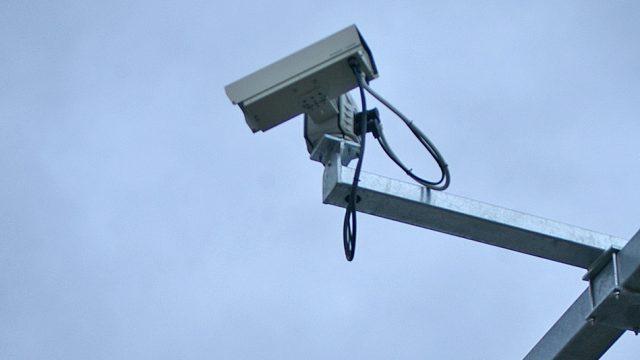 видеокамера на дороге