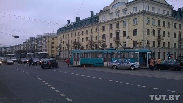 трамвай столкнулся с Ауди