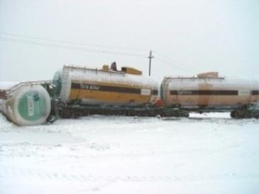 """Вблизи """"станции Лида"""" сошла с рельс платформа с двумя цистернами с 40 тоннами метанола"""