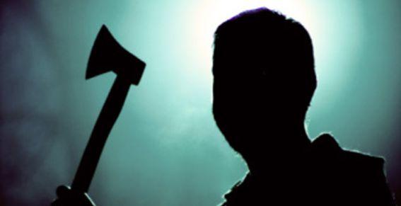 Житель Волковысского района пытался овладеть женщиной, угрожая ей топором
