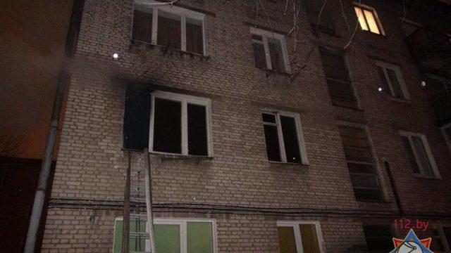 В Минске неизвестный поджег дом: спасатели эвакуировали 8 человек