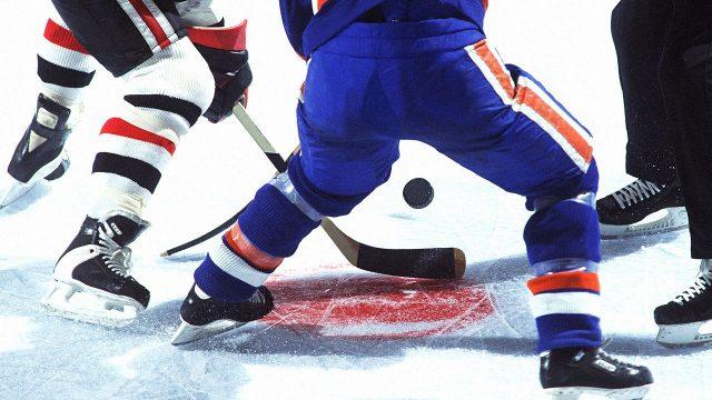 Победа хоккеистов