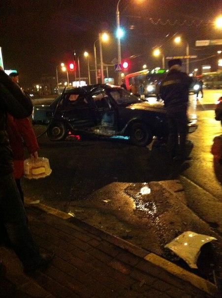 Около гипермаркета «Евроопт» на Хатаевича случилось двойное ДТП