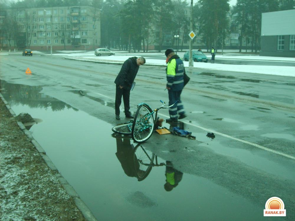 В Светлогорске автомобиль «Фольксваген Гольф» сбил велосипедиста
