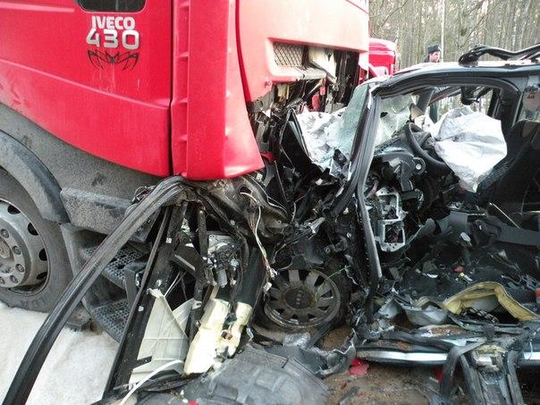 """В Слонимском районе водитель """"Ауди"""" столкнулся с фурой и погиб на месте"""