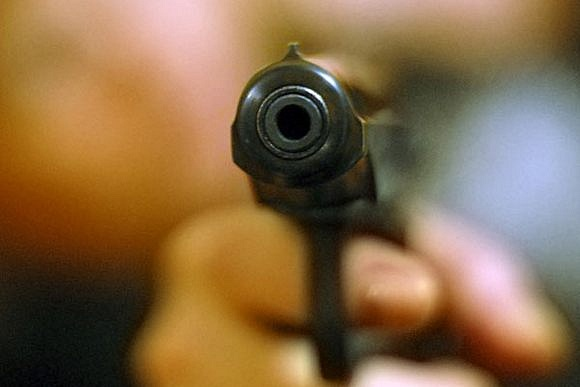 В Гродно мужчина отказался от госпитализации и выстрелил в сотрудника милиции