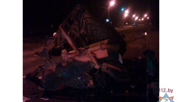 ДТП в Лунинецком районе: автомобиль столкнулся с трактором