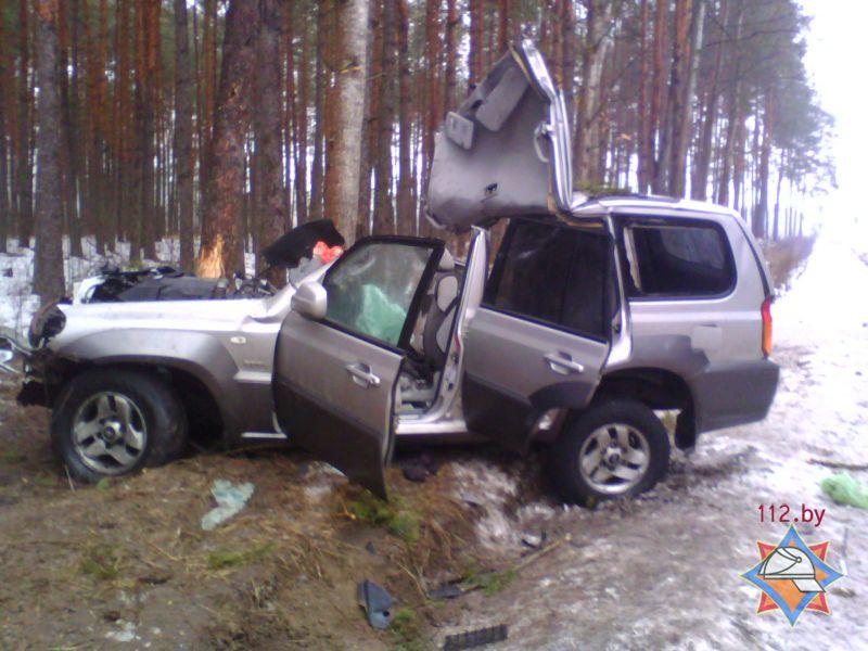 ДТП в Брагинском районе - три человека оказались блокированы в салоне автомобиля