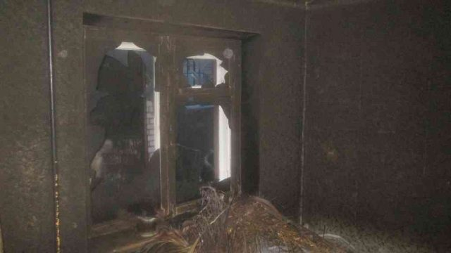 При пожаре в Борисове сотрудники МЧС спасли женщину и ее сына
