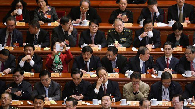 делегаты ожидают руководство в Пекине