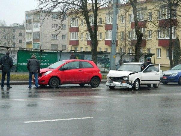 Пьяный гродненец поехал за подарком жене и разбил три машины