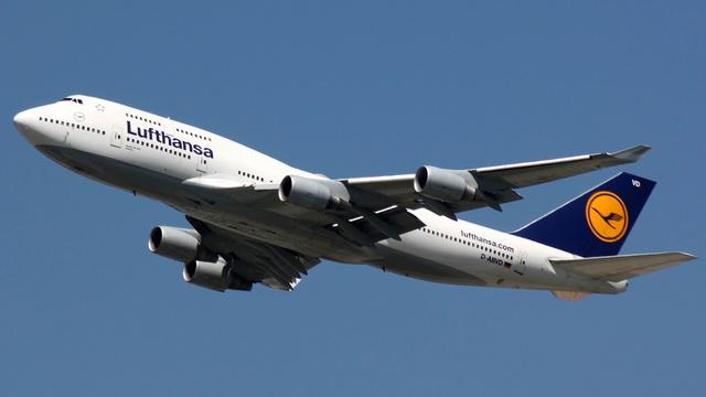 Более 400 рейсов отменены из-за забастовки пилотов Lufthansa