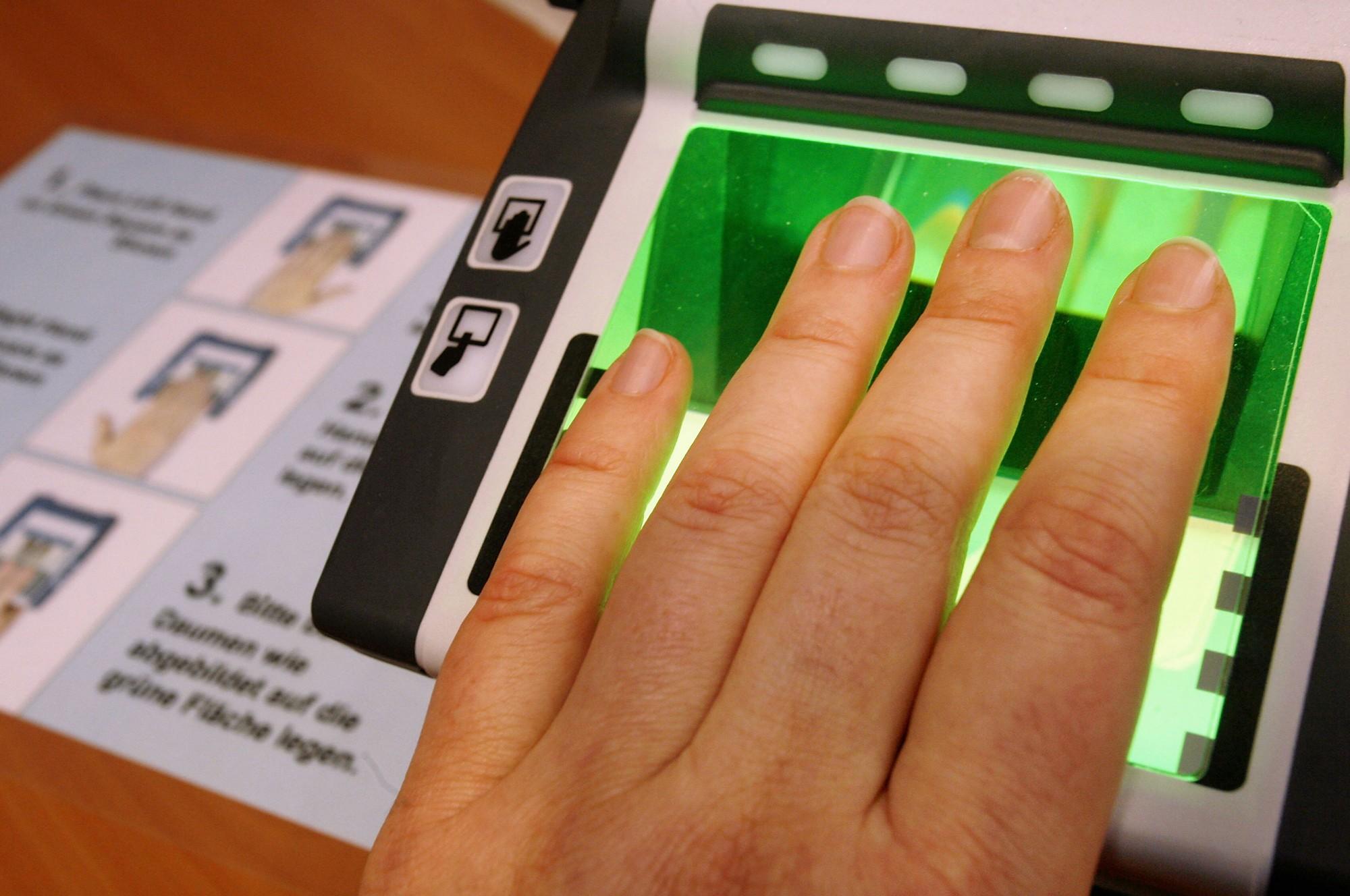 Как сделать отпечатки пальцев для шенгенской визы