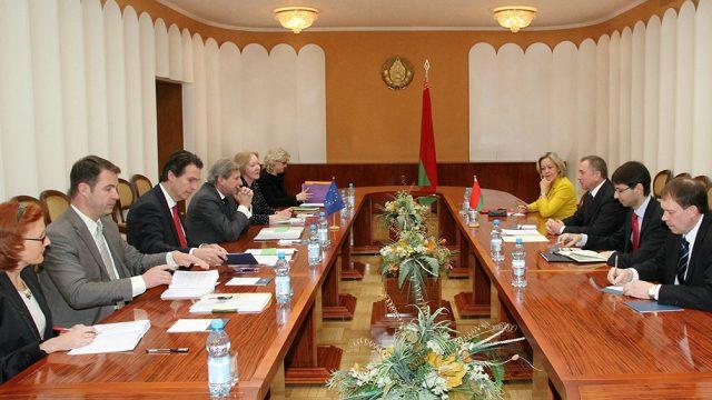 Макей встретился с Еврокомиссаром
