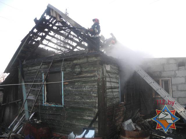 При пожаре жилого дома в Гомеле погибли три человека.