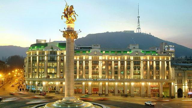 Лукашенко совершит первый официальный визит в Грузию 22-24 апреля