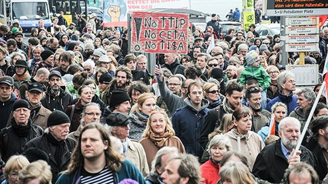 """Европейцы сказали """"нет"""" созданию зоны свободной торговли с США"""