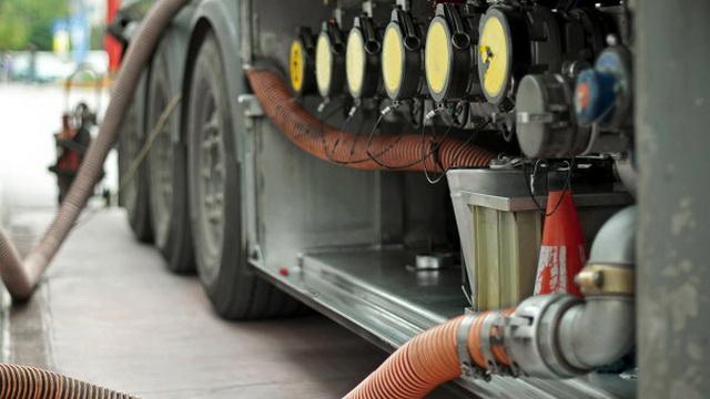 Беларусь временно приостановила поставки нефтепродуктов в Россию